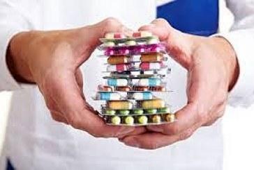 Farmaci: Istat, un terzo italiani li usa regolarmente
