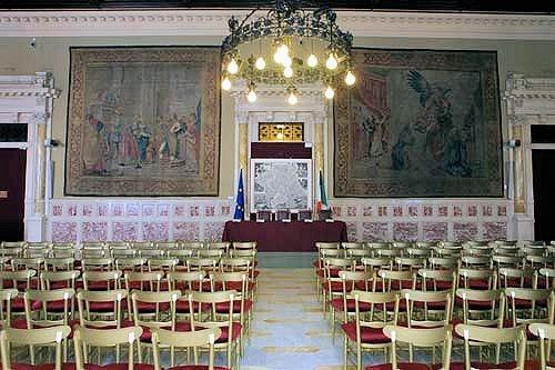 Vargiu (Affari sociali) e Boccia (Bilancio): «Dall'indagine sulla sostenibilità del Ssn il contributo della Camera al Patto per la salute». Ecco il documento approvato