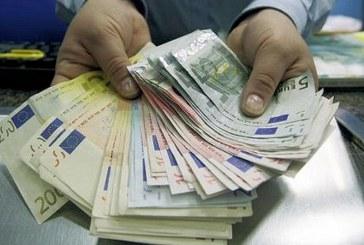Italia, R&S: top manager guadagnano in un anno quanto dipendente in vita intera