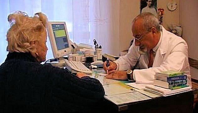 Medici sempre più connessi, il 93% usa il web per lavoro