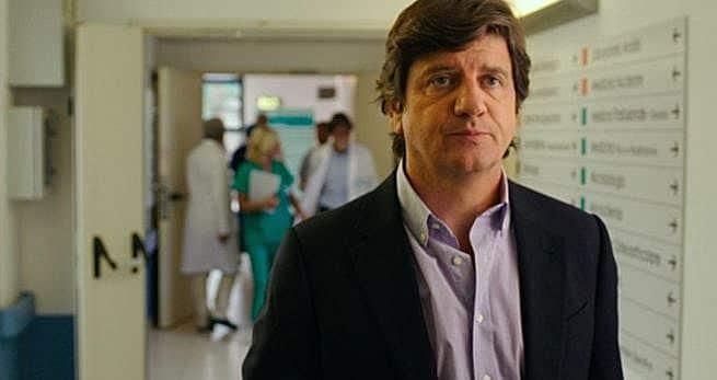"""""""Anche un tiramisù è corruzione"""". Fabio De Luigi interpreta un ISF"""