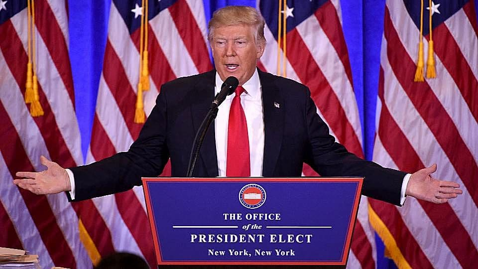 Trump minaccia Pfizer, si vergogni di rialzo prezzi