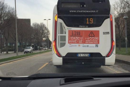 Rimini. Bus pubblico antivax. Errore del fornitore