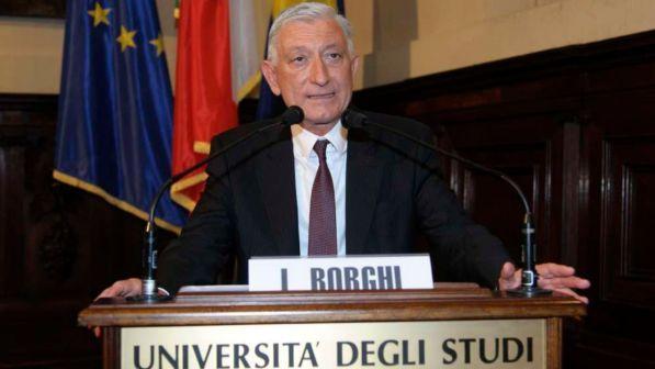 Scandalo di Parma, suicida ex rettore dell'Università Loris Borghi: era indagato nel caso Pasimafi