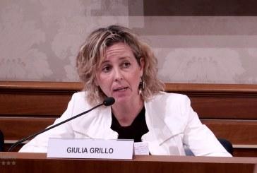"""Grillo si insedia alla Salute: """"Basta con il definanziamento"""". Governance farmaceutica: discontinuità col passato"""