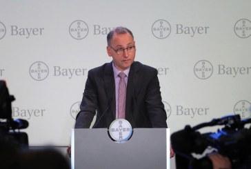 Tumultuosa assemblea alla Bayer: gli azionisti votano contro i manager per l'operazione Monsanto