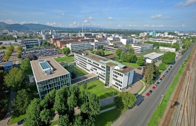 Roche, perquisita sede di Grenzach, in Germania. Un medico tedesco avrebbe ricevuto denaro per prescrivere farmaci. Roche dichiara di voler collaborare