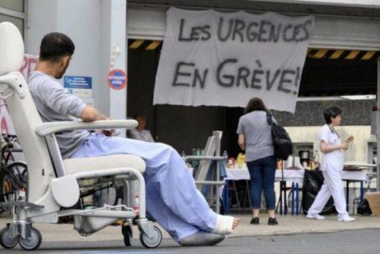 Francia: riduzione spese alla sanità. 1100 medici si dimettono per protesta