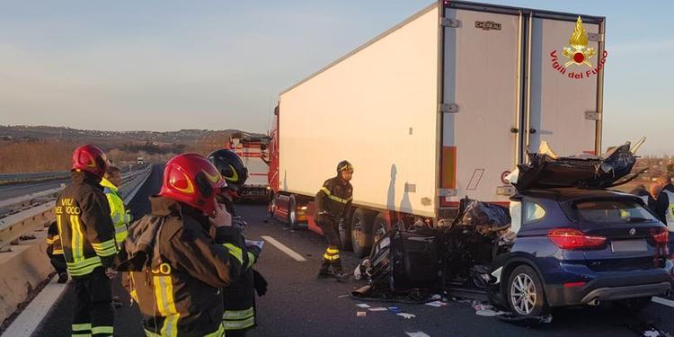 Tragico incidente sull'A14. Muore l'ISF Diego Di Pizio