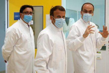 Vaccino, la Francia parte all'offensiva. Macron stringe il patto con Sanofi