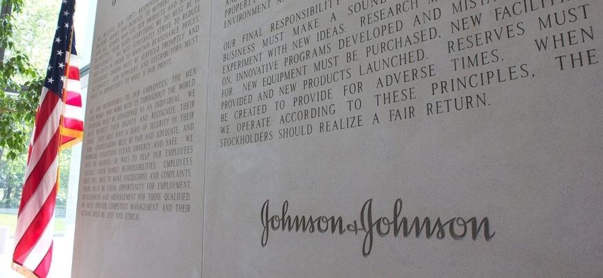 Trump. Un miliardo di $ a Johnson&Johnson per lo sviluppo del vaccino per Covid-19
